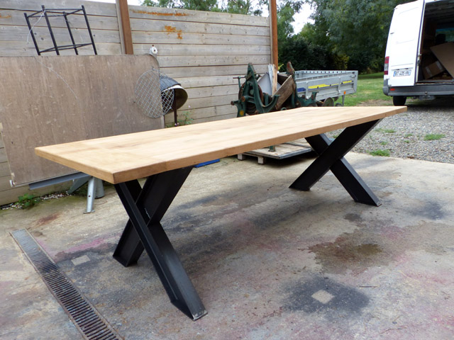 Tables industrielle sur mesure et sur commande en bois m tal for Table industrielle